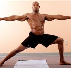 "Wood(via <a href=""http://www.thesweetscience.com/boxing-article/8144/peter-wood-special-tss-old-boxer-stands-yoga-mat/"">TSS</a>)"