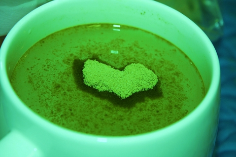 "Green Tea! (Via <a href=""http://www.flickr.com/photos/pinksherbet/3490127306"">D. Sharon Pruitt</a>.)"