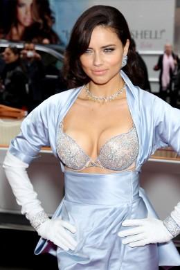 """Adriana! (Via <a href=""""http://fashionista.com/"""">Fashionista.com</a>.)"""