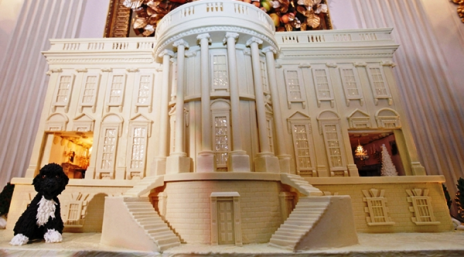 "Gingerbread White House! (Via <a href=""http://flavorwire.com/"">Flavorwire</a>.)"